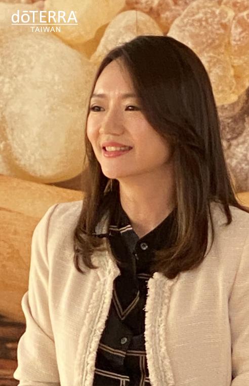 乳香月感恩月-陳瑩甄