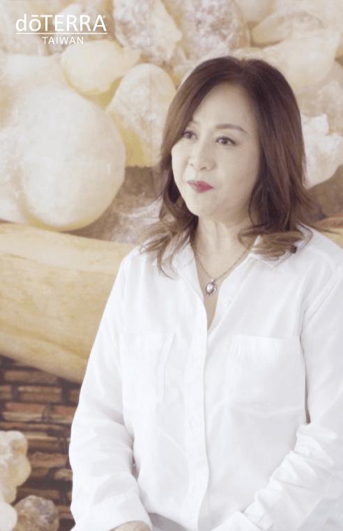 乳香月感恩月-洪嘉璇